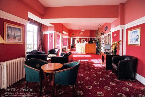 Photo - The Southcliff Hotel