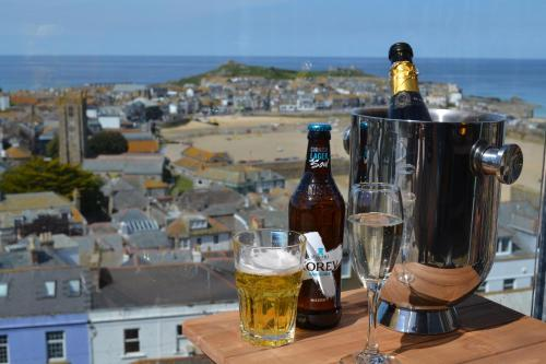 Flat 4, The Penthouse, Pednolver, St Ives, Cornwall