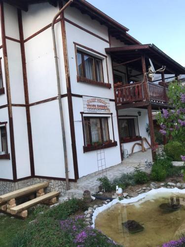 Mama Emiliya Guest House