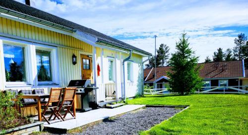 . Arctic Light Holiday House