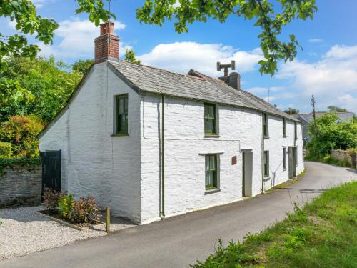 Luxurious Holiday Home With Garden At Cornwall, Lanteglos, Cornwall