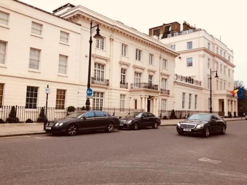 """L'Ambassadeur"" Belgravia Townhouse By Embassies - Central London"