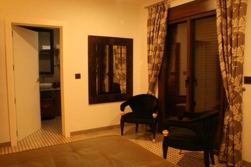 Double Room with Balcony La Posada de las Casitas 11