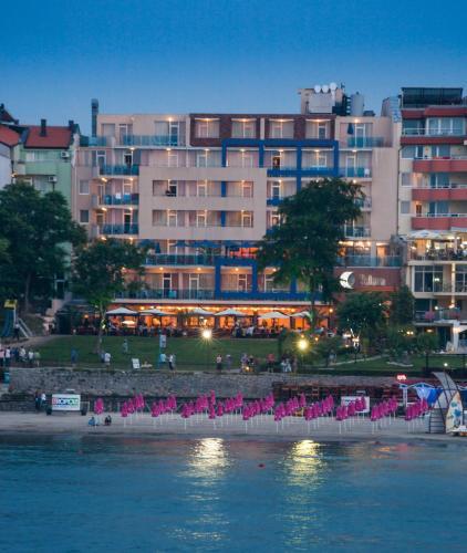 . Selena Hotel