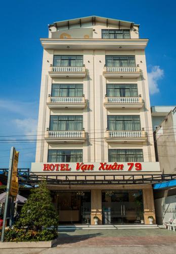 . Khách sạn Vạn Xuân 79