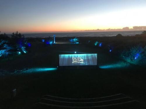 Pacific Reef Hotel & Light Show