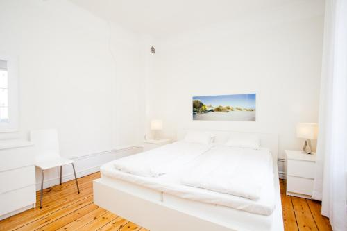 ApartDirect Sveavägen photo 14