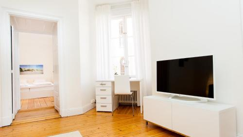 ApartDirect Sveavägen photo 20