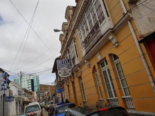 . Hotel Repostero
