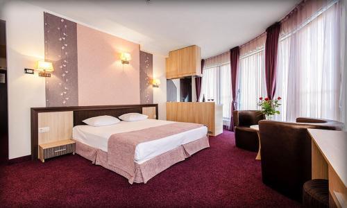 . Alliance Hotel