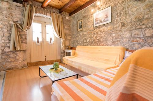 Apartment Mile, Pension in Makarska