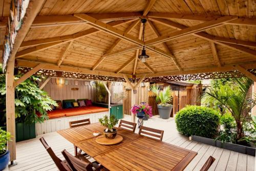 . Villa Zenith Hostel - La Maison