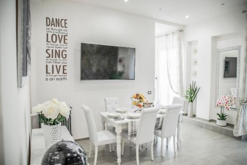 New Moon Luxury Apartment
