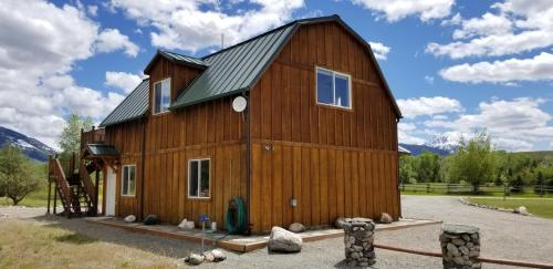 Montana Yellowstone River Retreat - Accommodation - Livingston