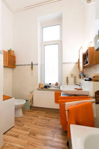 Vienvietis numeris su bendru vonios kambariu (Private Single Room with Shared Bathroom)