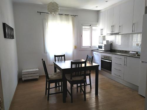 Comfortable Apartment Close To Park Güell