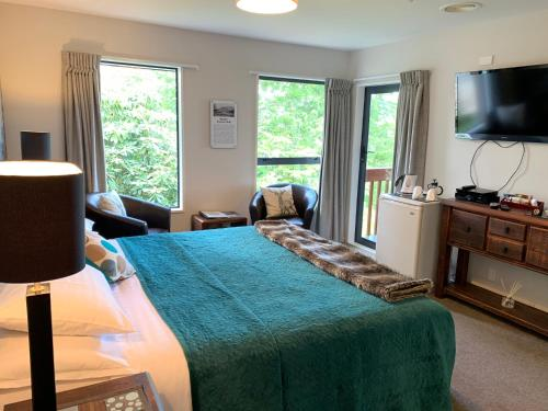 8 on Oregon Boutique Lodge - Accommodation - Hanmer Springs