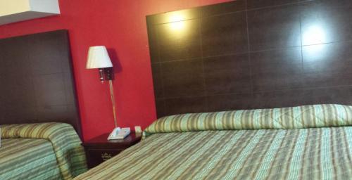 Hallmark Motel - Cinnaminson, NJ 08077