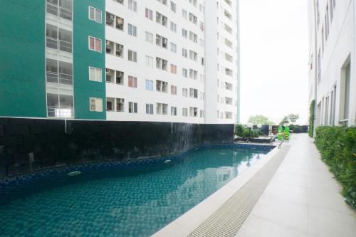 . RedDoorz Apartment near Bundaran Satelit Surabaya