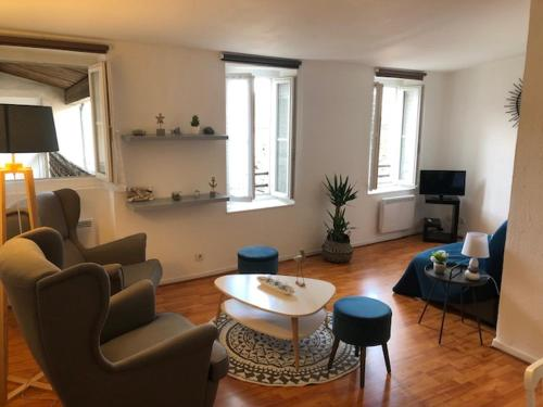 Very quiet 2-room apartment - Old Port, Town center