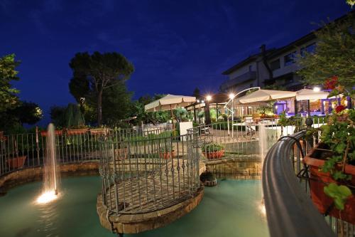 . Hotel Tetto delle Marche - Ristorante dei Conti