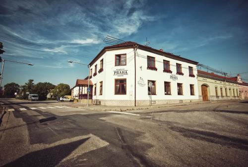 . Restaurace a Penzion Praha