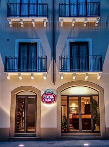 . Hotel Gangi