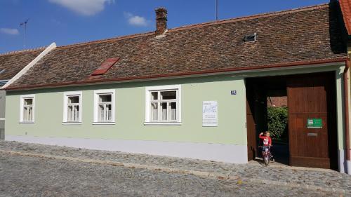 . Weinbauernhof Löscher