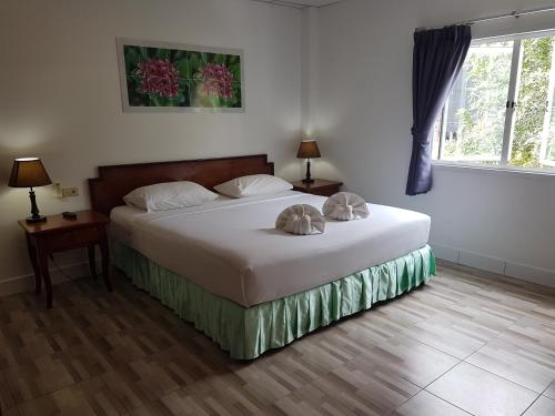 Welcome Inn Hotel @ karon Beach. Double room from only 600 Baht Welcome Inn Hotel @ karon Beach. Double room from only 600 Baht