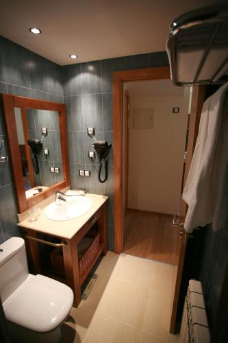 Suite with Spa Access (2 Adults + 2 Children)