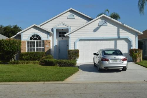 Lovely Vacation Rental Home Close to Disney 4 Bdrm Private Pool Free Internet - image 2