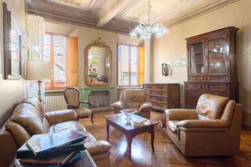 . Exclusive Palazzo Schifanoia Apartment