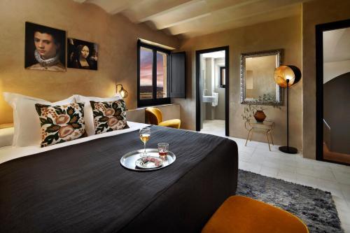 Doppelzimmer im Tower Hotel Castell d'Emporda 1