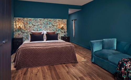 Garden room with balcony Hotel Castell d'Emporda 1