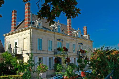 . Hotel Henri IV
