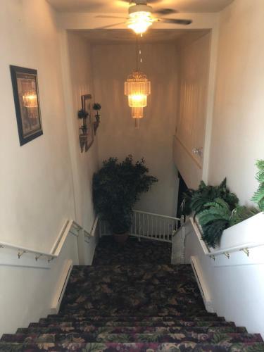 The Bridgewater Hotel - Bridgewater, NS B4V 1V8
