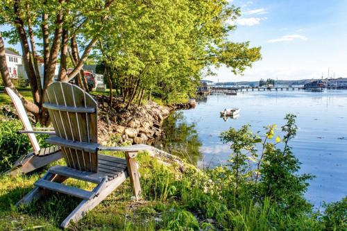 . Boothbay Harbor Cottage Apts