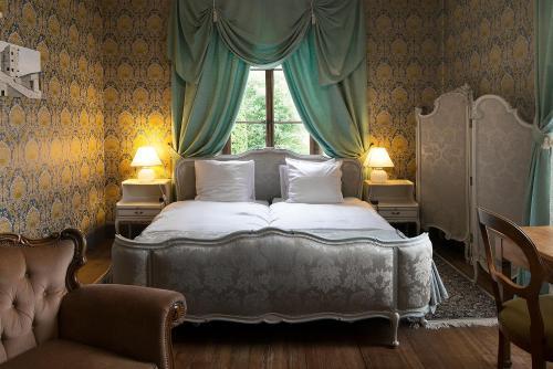 Au Vieux Manoir - Hotel - Monthey