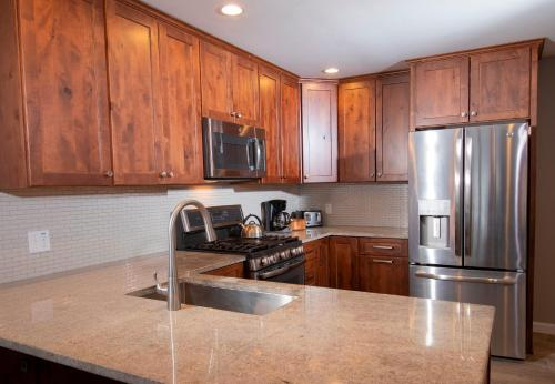. Winterplace 3 Br- Plenty Of Bedding- Great For Families Condo