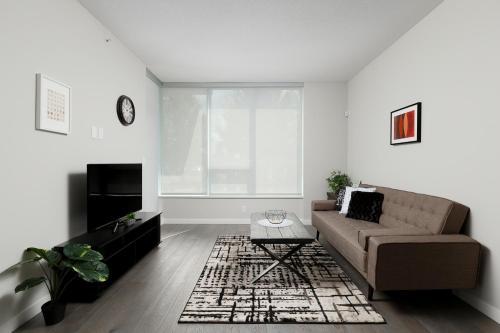 . Cozy 2 Bedrooms Condo in UBC