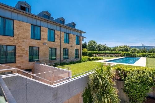 Habitación Doble con vistas a la piscina ARTIEM Asturias 1