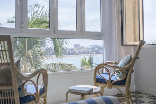 . Playa Las Canteras beachfront apartment sea view 2BR