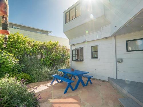 21 Calle del Sierra Home Larger Cottage, Marin