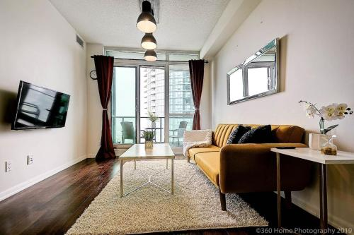 Instant Suites- Luxurious 1BR in Heart of Downtown with Balcony - Apartment - Toronto