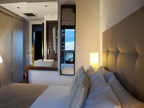 Deluxe Double Room with Spa Access Bonansa Country Hotel 26