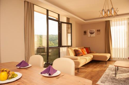 Royal Comfort Suites
