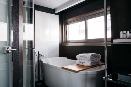 Suite Hotel Urban 3
