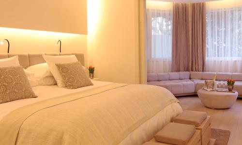 Suite Room (1 or 2 people) ABaC Restaurant Hotel Barcelona GL Monumento 23
