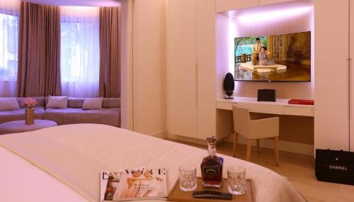 Suite Room (1 or 2 people) ABaC Restaurant Hotel Barcelona GL Monumento 20