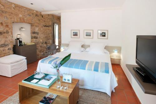 Suite Junior con acceso gratuito al spa Mas Falgarona Hotel Boutique & SPA 5